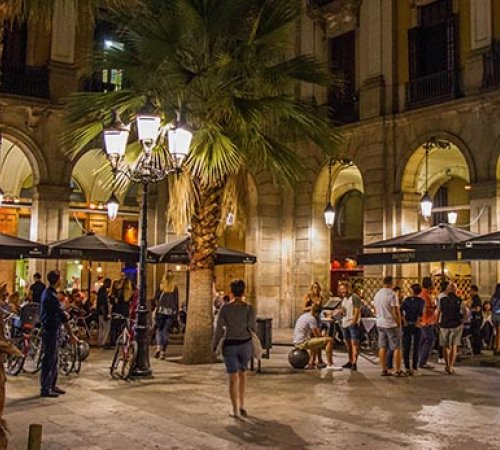 Trendy restaurants to go with the friends of your student residence in Barcelona
